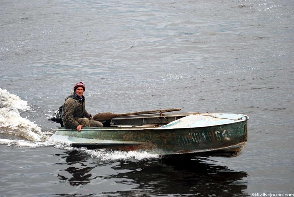 лодка в енисейске